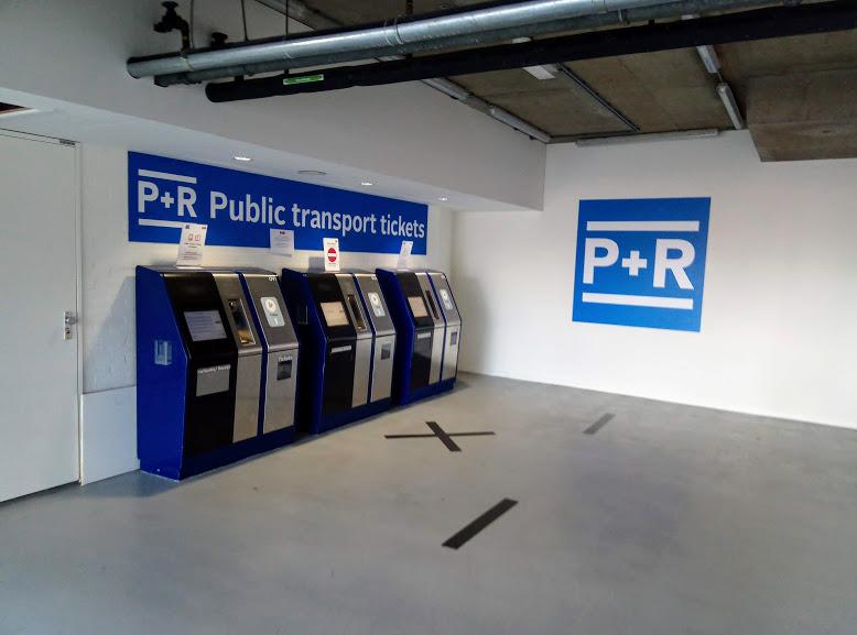 Автоматите на RAI за купуване на P+R GVB билети в рамките на един час от паркиране на колата.