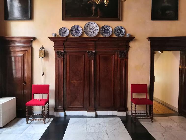 """Гостната в църква-музей """"Our Lord in the Attic"""", Амстердам, Нидерландия."""